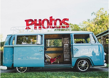 Kansas City photo booth company The Photo Bus