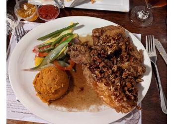 Savannah american restaurant The Pirates' House