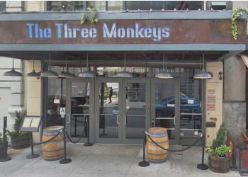 New York sports bar The Three Monkeys Bar