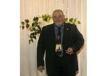 Memphis wedding officiant The WeddingMeister