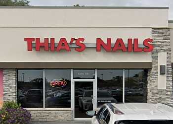 Des Moines nail salon Thia's Nails