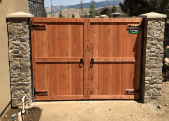 Reno fencing contractor Tholl Fence