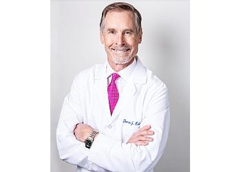 Virginia Beach plastic surgeon Thomas Hubbard, MD, FACS