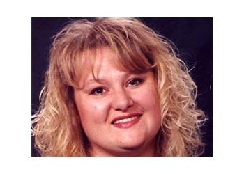 Phoenix real estate agent Tina Hall