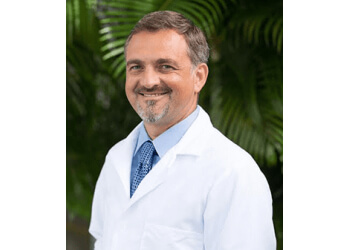 Fort Lauderdale pain management doctor Tom Macek, MD