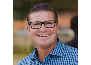 Sioux Falls cosmetic dentist Tom Weisbecker, DDS