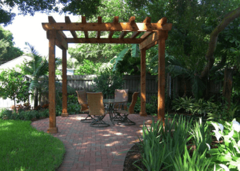 St Petersburg landscaping company Tommy Todd Landscape & Design