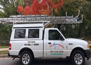 Washington gutter cleaner Tony's Gutter Cleaning