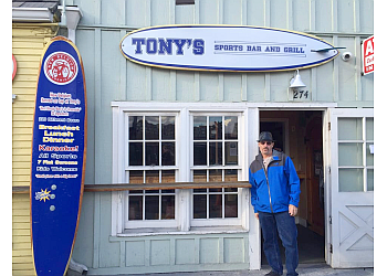 Oceanside sports bar Tony's Sports Bar & Grill