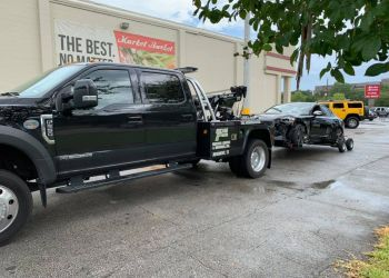Beaumont towing company Top Gun Wrecker Service & Recovery