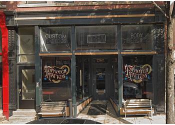 Elgin tattoo shop Topnotch Tattoo