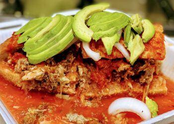 Santa Ana food truck Tortas Ahogadas Los Primos