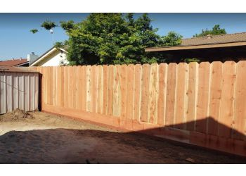 Modesto fencing contractor Town and Country Fence