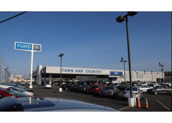 Charlotte car dealership Town and Country Ford