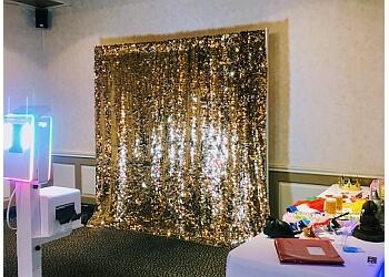 Buffalo photo booth company Trendy Snap Photo Booth