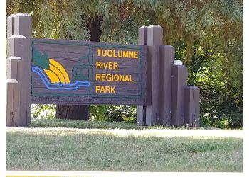 Modesto hiking trail Tuolumne River Regional Park