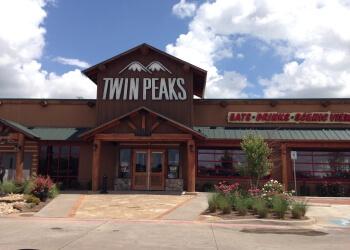 Irving sports bar Twin Peaks