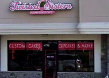 Virginia Beach cake Twisted Sisters Cupcakes Cafe