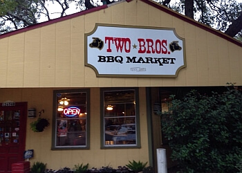 San Antonio barbecue restaurant Two Bros. BBQ Market