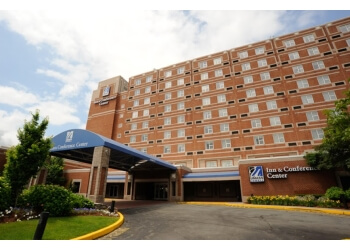 3 Best Hotels In Lowell Ma Threebestrated