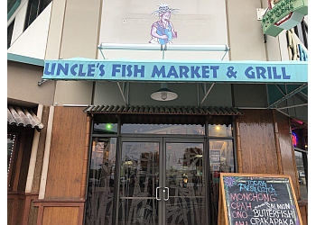 Honolulu seafood restaurant Uncle's Fish Market & Grill