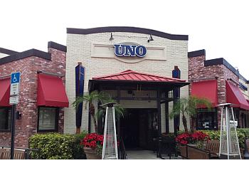 Orlando pizza place Uno Pizzeria & Grill