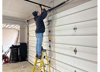 3 Best Garage Door Repair In Fort Wayne In Threebestrated