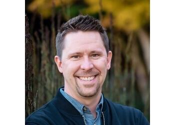 Santa Rosa marriage counselor Uriah Guilford, MFT - GUILFORD FAMILY COUNSELING