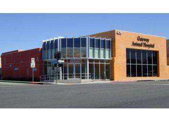 Glendale veterinary clinic VCA Gateway Animal Hospital