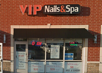 Joliet nail salon VIP Nails & Spa