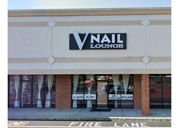 Indianapolis nail salon V Nail Lounge