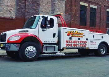 Newark towing company Velez Towing & Transport