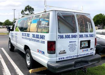 Miami gutter cleaner Vento Rain Gutters