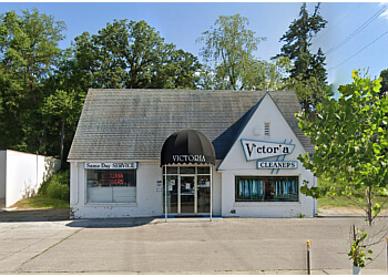 Des Moines dry cleaner Victoria Cleaners