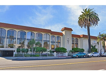 Long Beach assisted living facility Villa Redondo senior living