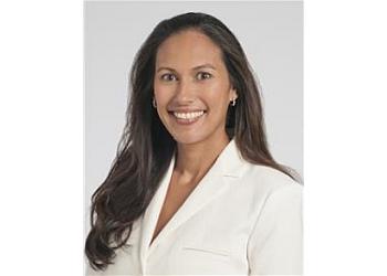 Cleveland neurosurgeon Violette Recinos, MD
