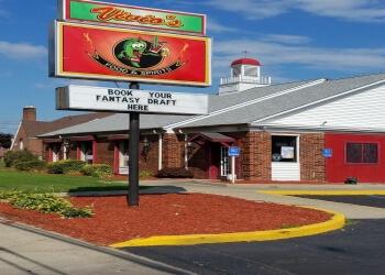 Warren sports bar Vivio's Food & Spirits
