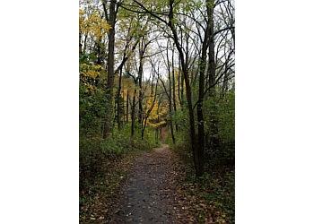 Lansing hiking trail WOLDUMAR NATURE CENTER