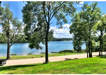 Kansas City hiking trail WYANDOTTE COUNTY LAKE PARK