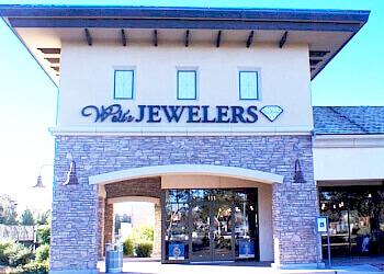 Gilbert jewelry Walt's Jewelers