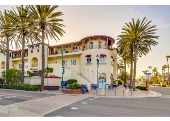 Huntington Beach addiction treatment center Wavelengths Recovery