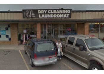 Fort Wayne dry cleaner White Swan Laundromat & Dry Cleaning