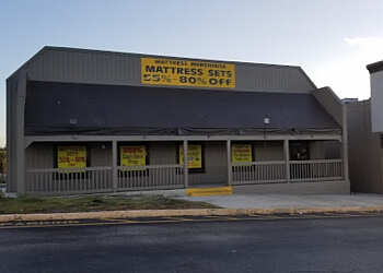 3 best mattress stores in tampa fl threebestrated. Black Bedroom Furniture Sets. Home Design Ideas