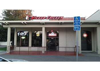 Santa Clara sports bar Wicked Chicken