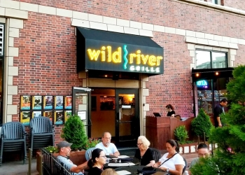 Reno american restaurant Wild River Grille