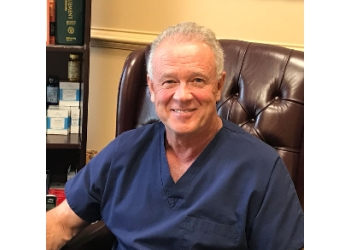 Port St Lucie pain management doctor William W. Lampard, MD