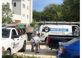 Virginia Beach window cleaner Window Gang, Inc.