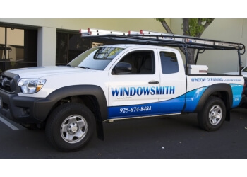 Concord window cleaner Windowsmith Window Cleaning