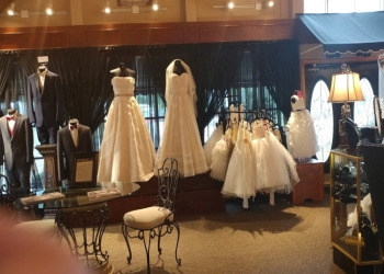 Aurora bridal shop Wolsfelt's Bridal