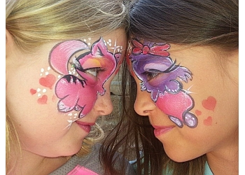 Austin face painting Woo Who!